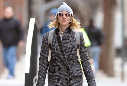 Naomi Watts de compras por Nueva York sin una gota de maquillaje