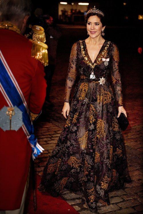 La Princesa Mary de Dinamarca en la recepción de Año Nuevo con un beauty look perfecto