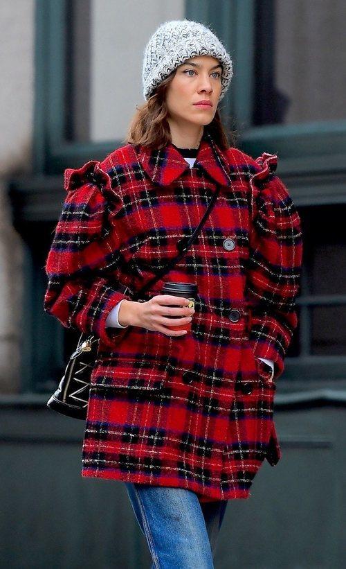 El beauty look de Alexa Chung contra el frío de Nueva York