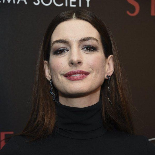Anne Hathaway Movie 2019: Anne Hathaway Con Un Sencillo Maquillaje