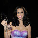Peinado de Katy Perry con media melena morena