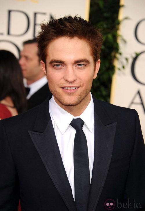 Robert Pattinson con pelo caoba
