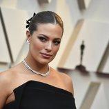 Ashely Graham con un recogido en los Premios Oscar 2019
