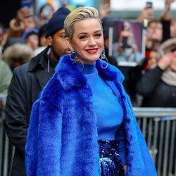 Katy Perry en New York con un maquillaje de colores intensos