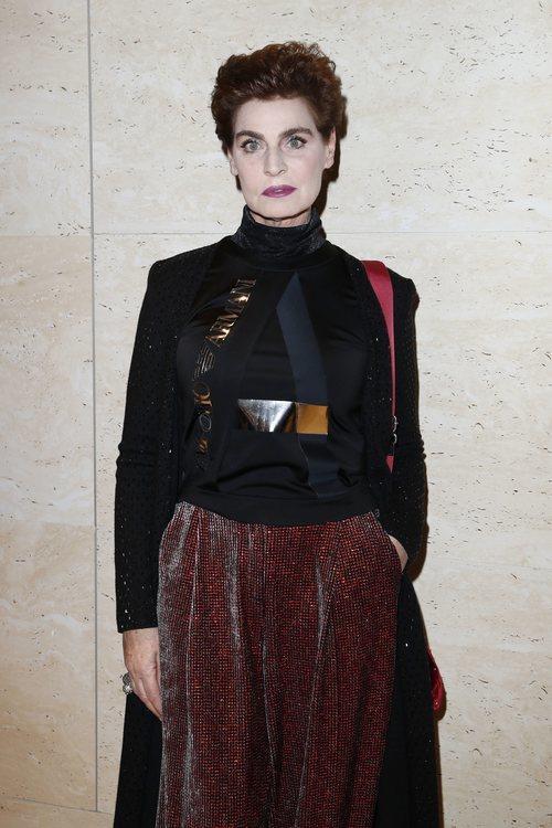 Antonia Dell'Atte con purpurina en los ojos