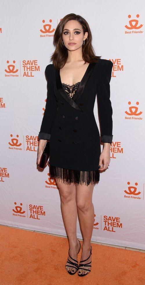 Emmy Rossum con sombra de ojos negra