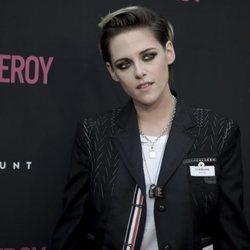 Kristen Stewart beauty look oscuro