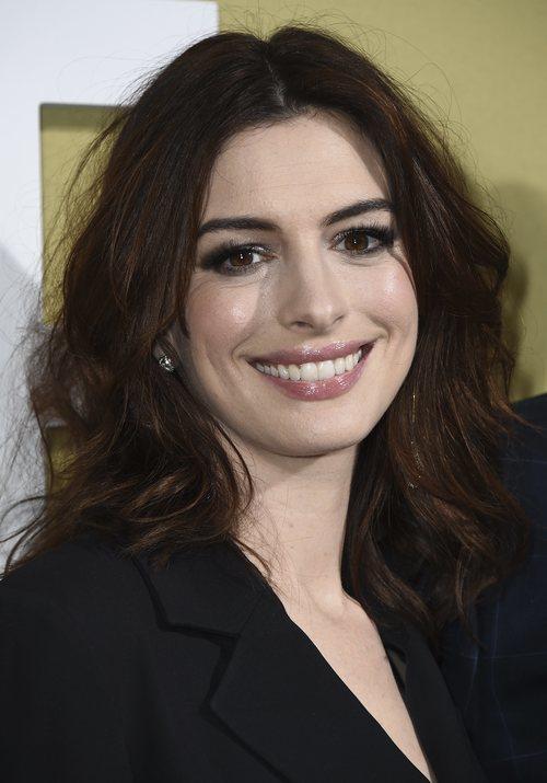 Anne Hathaway en la premier de su película 'The Hustle'
