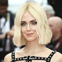 Chiara Ferragni con melena corta platino en la alfombra roja de Cannes 2019