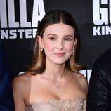 Millie Bobby Brown asiste a la presentación de la película 'Godzilla' en Londres con vestido de Dior