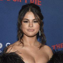 Selena Gomez reaparece en la premiere de 'The Dead Don't Die' con un black total look