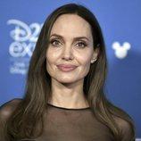 Angelina Jolie radiante en la convención D23 de Disney