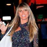 Heidi Klum con exceso de colorete y brillos en Los Ángeles
