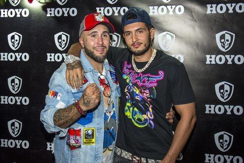 Omar Montes apoyando a Kiko Rivera en su discoteca en Sevilla