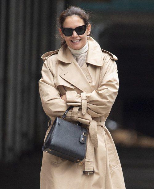 Katie Holmes sin maquillaje paseando por Nueva York