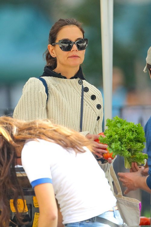 Katie Holmes con la coleta mal peinada en Nueva York