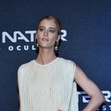 Mackenzie Davis muy pálida en el estreno de 'Terminator: Destino Oscuro' en México