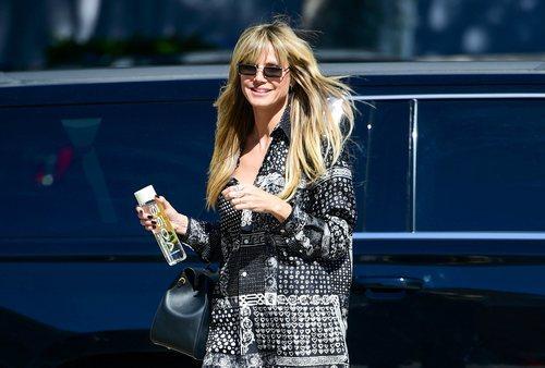 Heidi Klum con flequillo largo en Los Ángeles