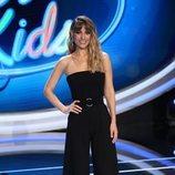 Edurne presenta 'Idol Kids' con melena rizada y flequillo abierto