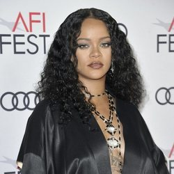 Rihanna con smokey eye en la premiere de 'Queen and Slim'
