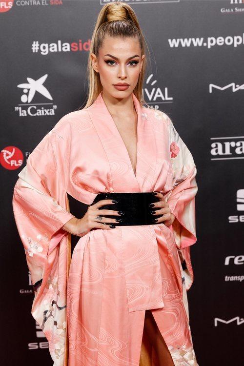 Jessica Goicoechea con maquillaje rosa en la gala People in Red 2019