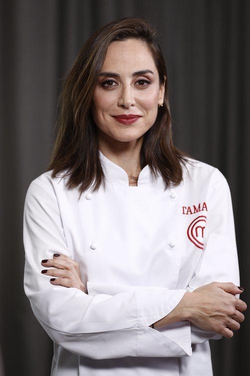 La melena cuidada de Tamara Falcó posando como ganadora de 'Masterchef Celebrity 4'