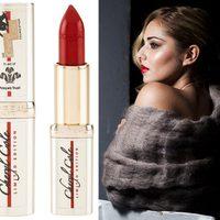Cheryl Cole posa como imagen de un labial de Loreal