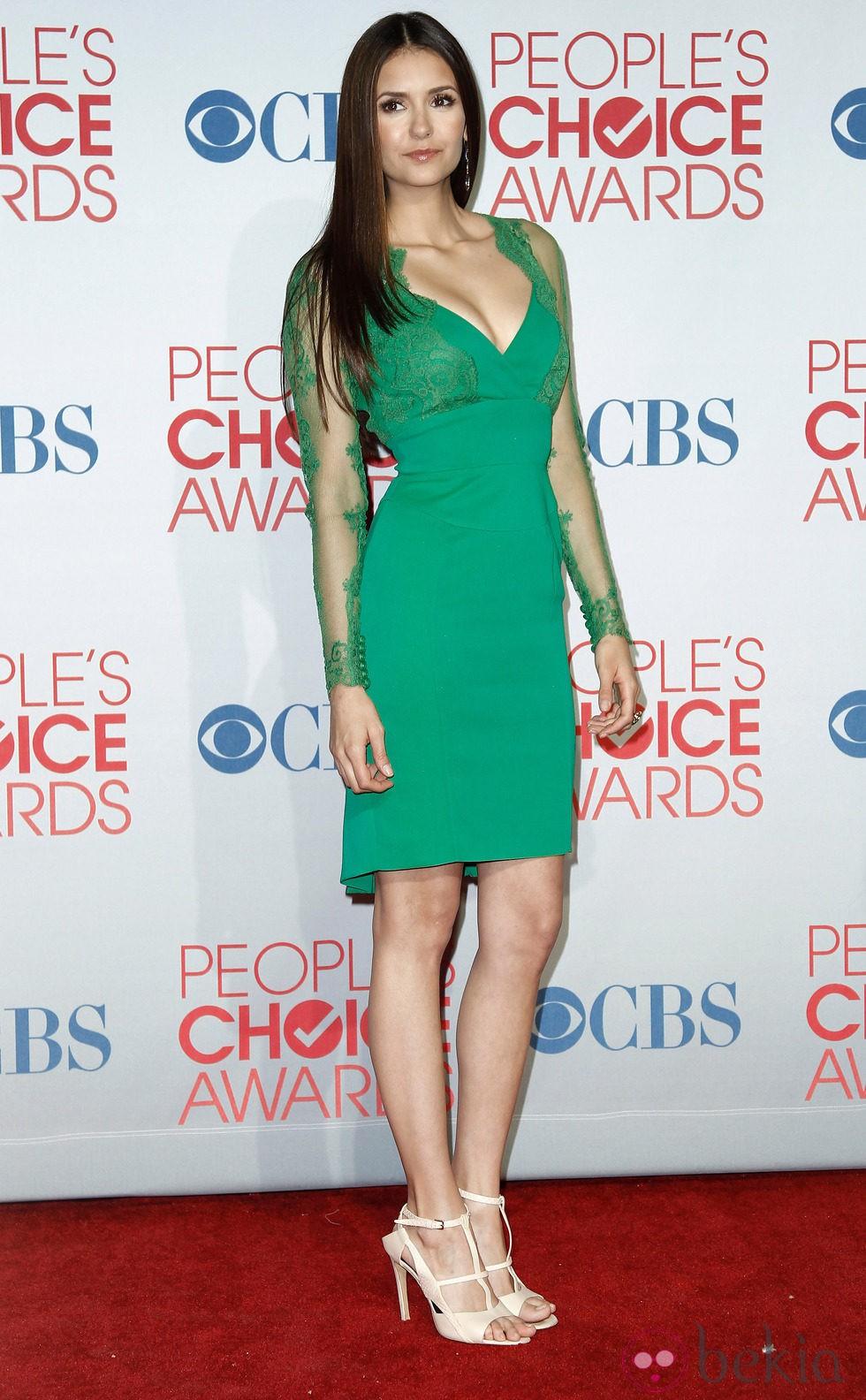 Nina Dobrev con melena ultra lista en los People´s Choice Awards