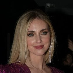 Chiara Ferragni con un maquillaje sencillo en la Fashion Week Milan 2020
