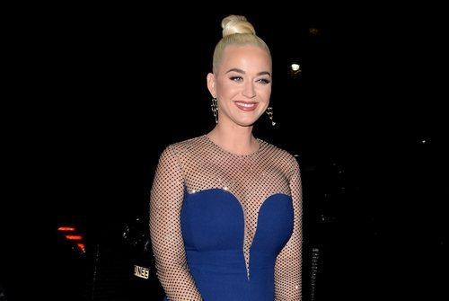 Katy Perry con un ideal recogido de estilo bailarina