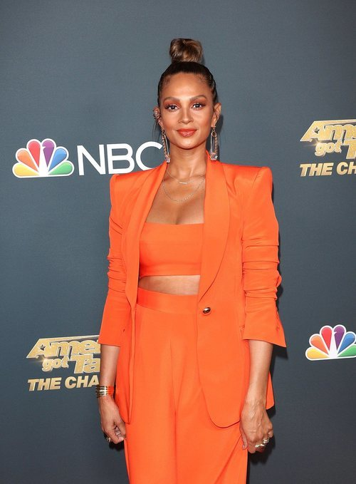 Alesha dixon apuesta por un beauty look en tonos naranjas