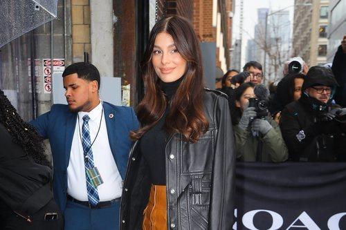 Camila Morrone acude al desfile de The Coach 2020 en Nueva York