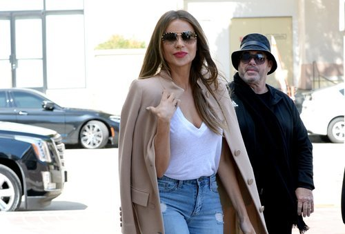 Sofía Vergara con un beauty look natural con labial rosado en California