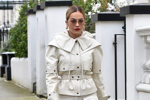 El recogido 'lamido' de Rita Ora