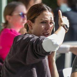 Blanca Suárez apuesta por la naturalidad para tomar algo con amigos