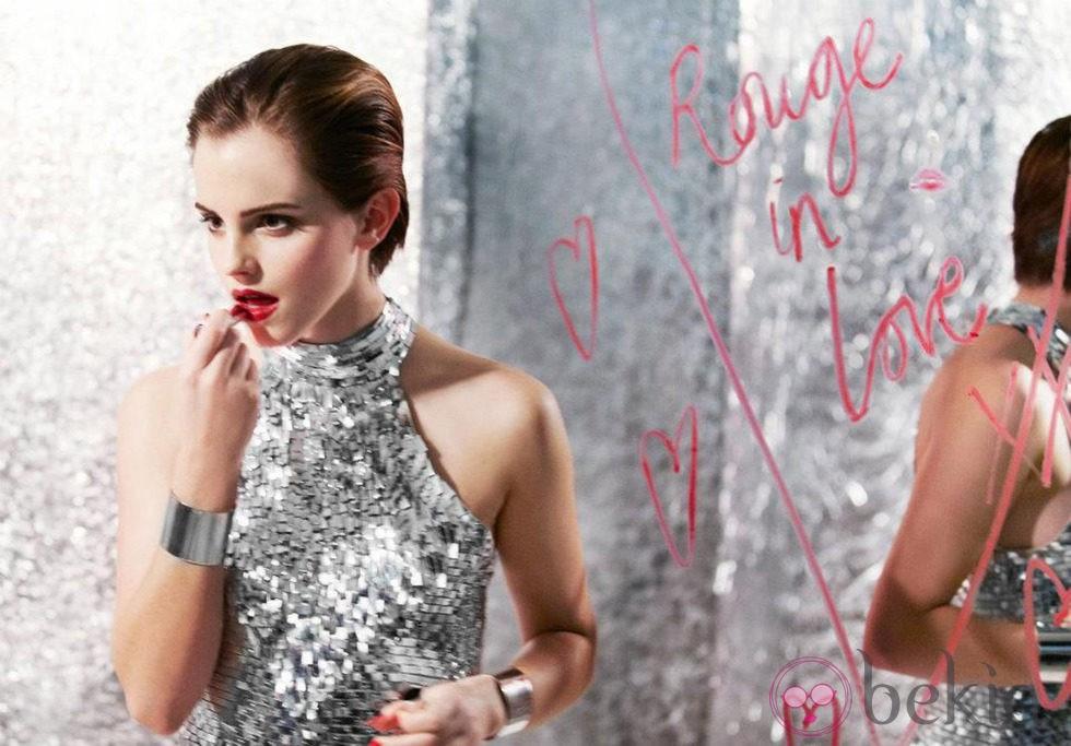 Emma Watson posa para la campaña 'Rouge in Love' de Lancôme