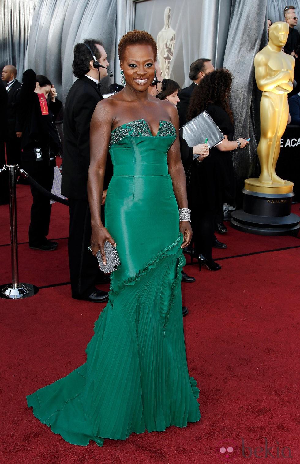 Viola Davis con cabello corto en los Oscar de 2012