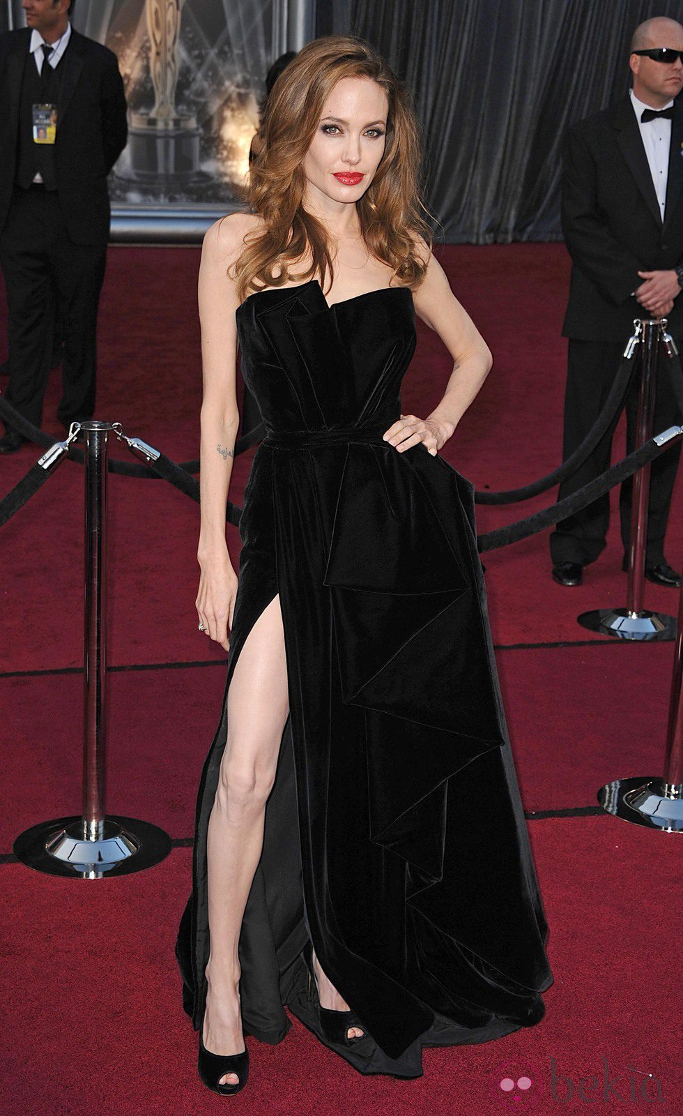 Angelina Jolie con melena suelta en los Oscar de 2012