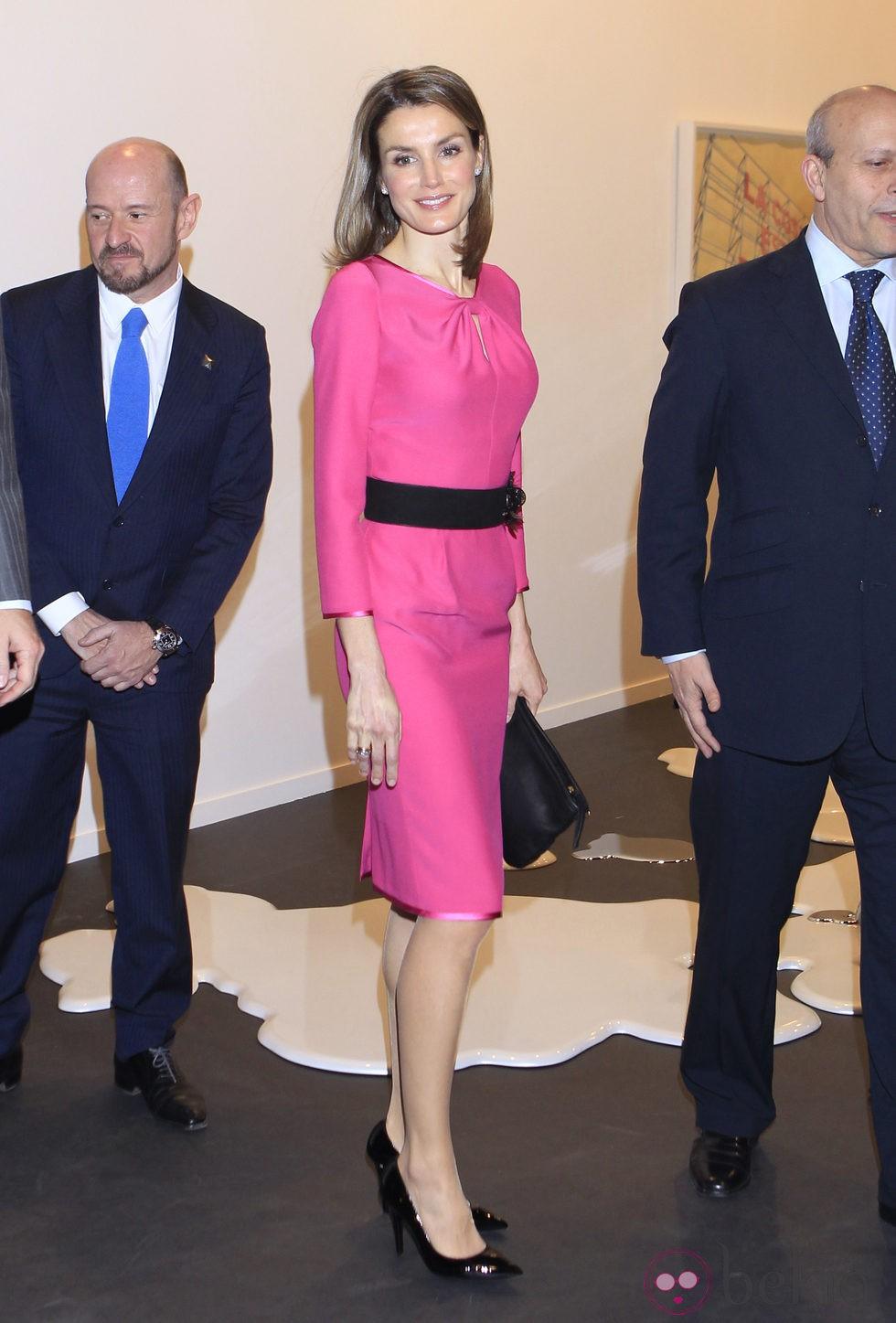 La Princesa Letizia con el pelo suelto y la raya a un lado