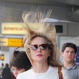 Sharon Stone despeinada llegando a el aeropuerto