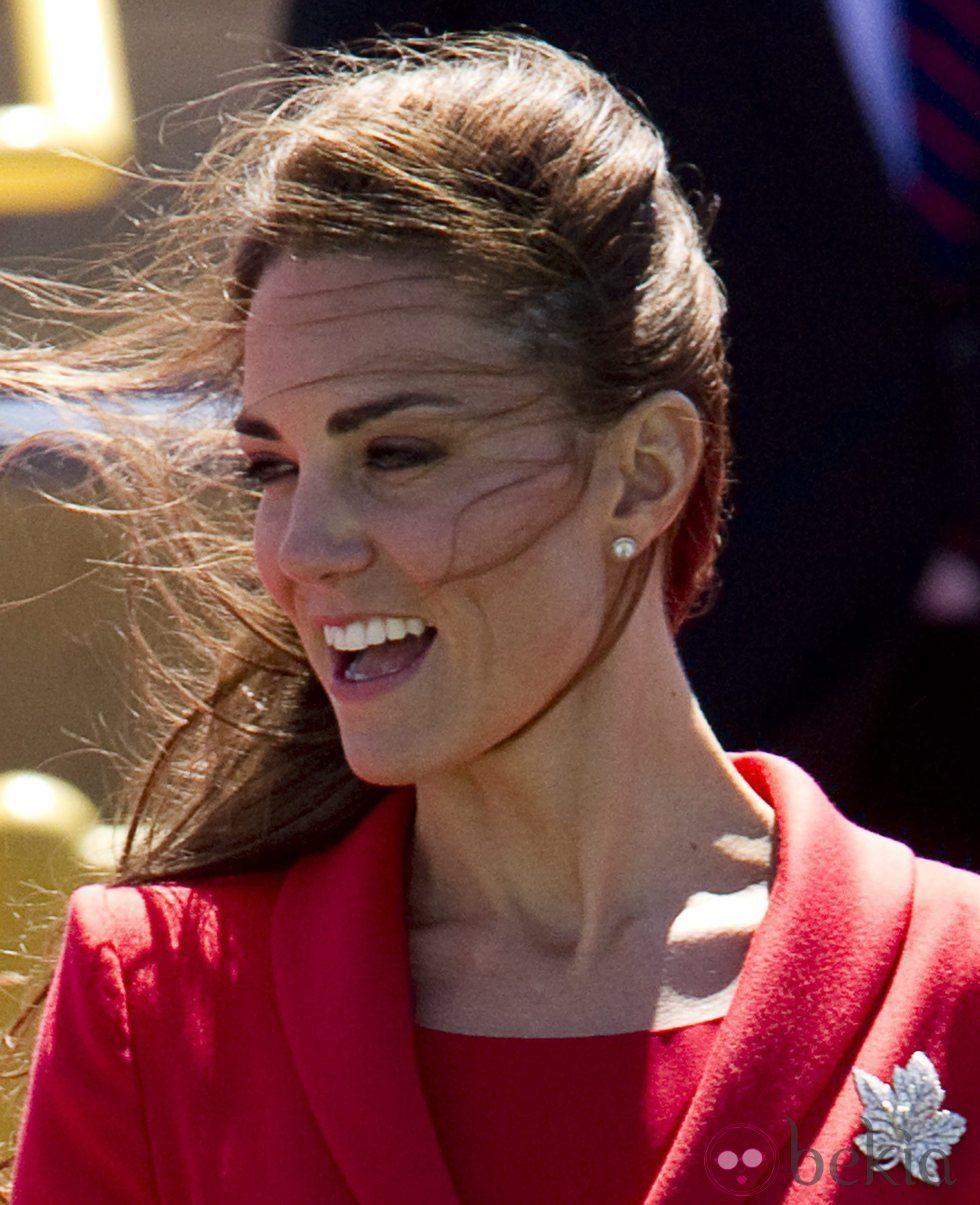 Kate Middleton despeinada durante un acto oficial
