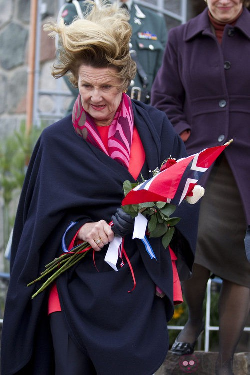 La Reina Sonia de Noruega despeinada