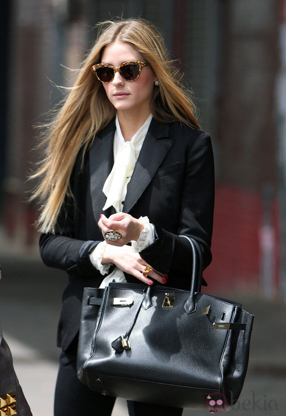 Olivia Palermo con el pelo largo liso