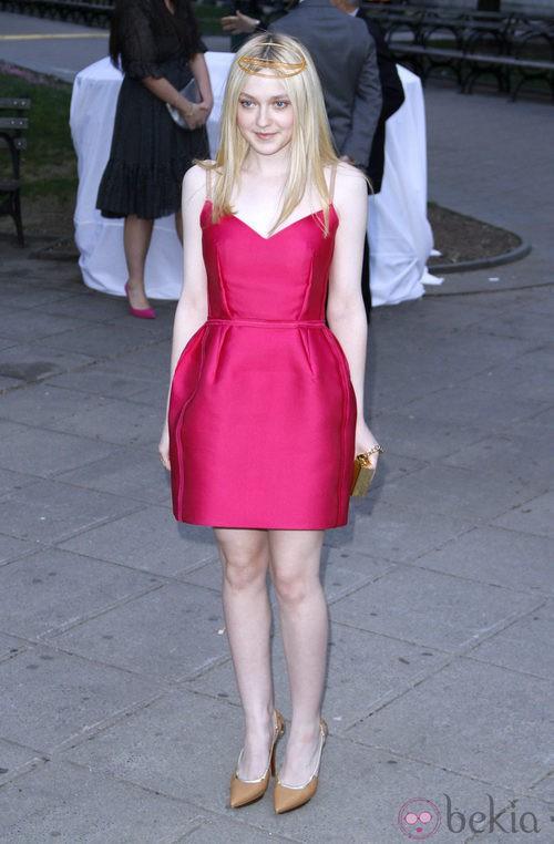 Dakota Fanning en la fiesta Vanity Fair celebrada en Nueva York