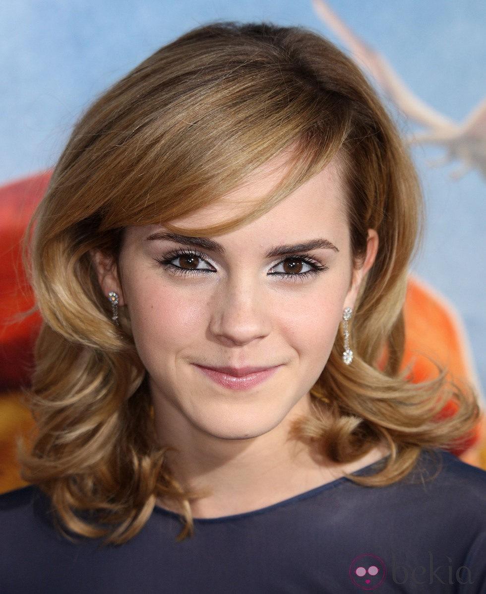 Emma Watson con el cabello rubio y el cabello más definido