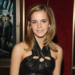 Emma Watson con el cabello liso