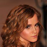 Emma Watson con el cabello rizado muy natural