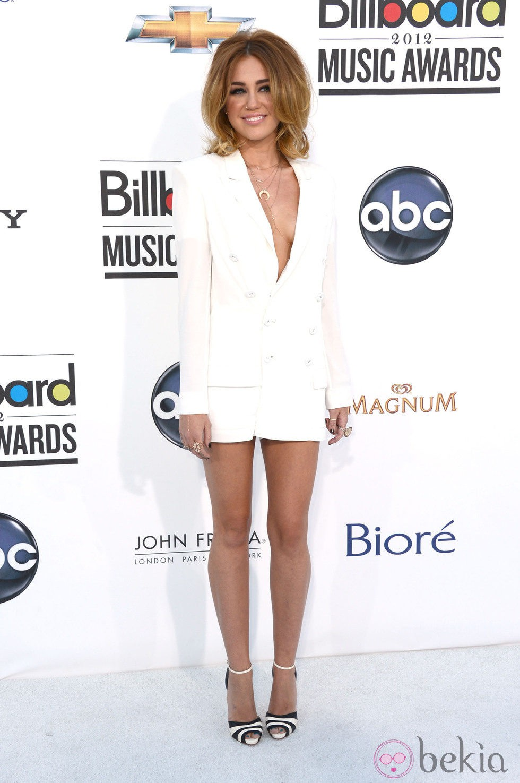 El voluminoso peinado de Miley Cyrus en los Billaboards 2012