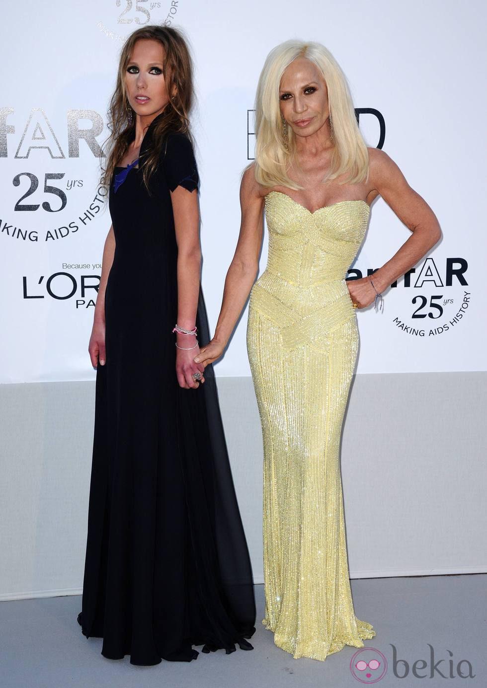 Donatella Versace tras pasar por el quirófano