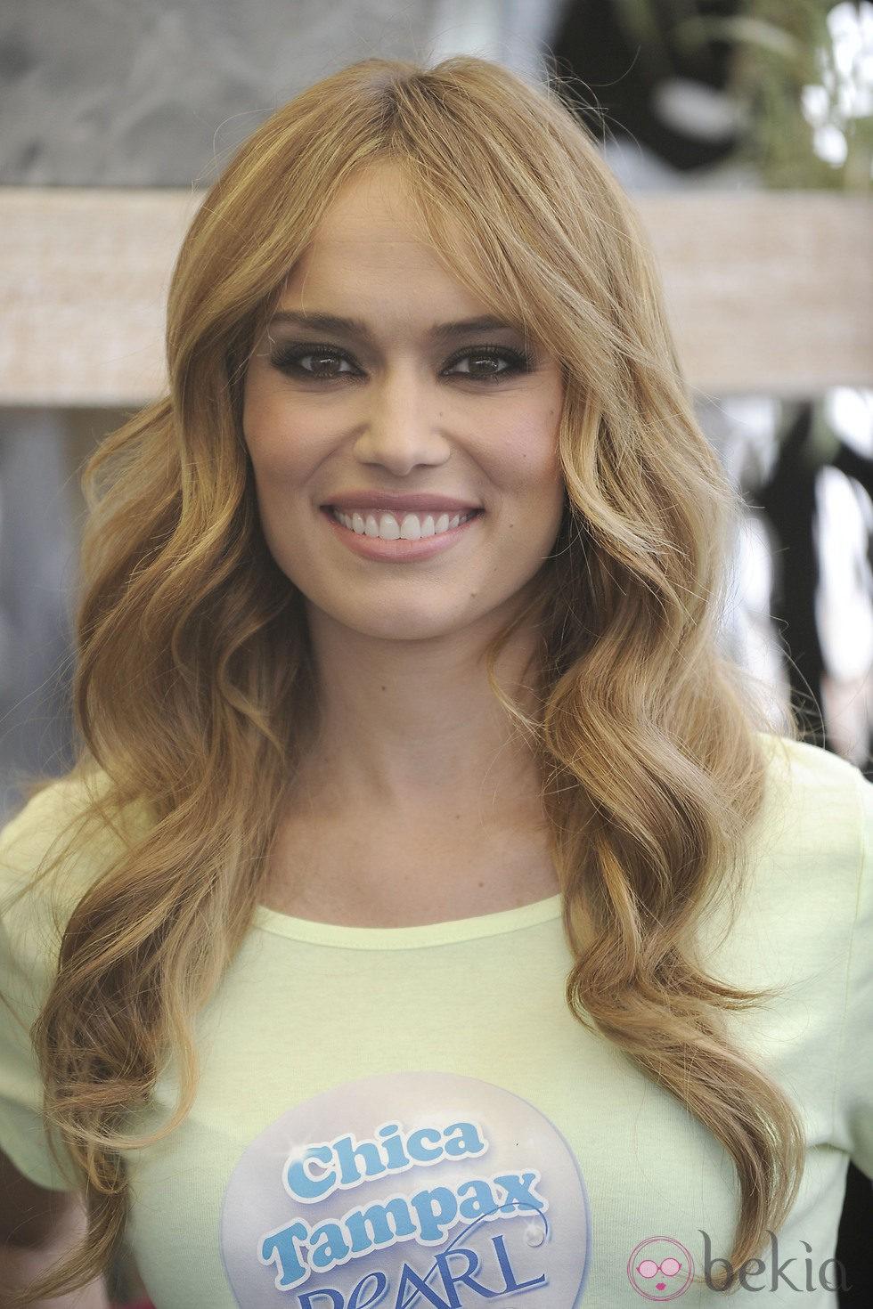 Patricia Conde después de mejorar su sonrisa